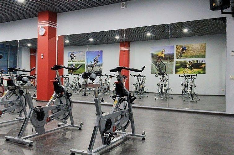 Фитнес-клуб элит фит занимается: услугами фитнес клубов.